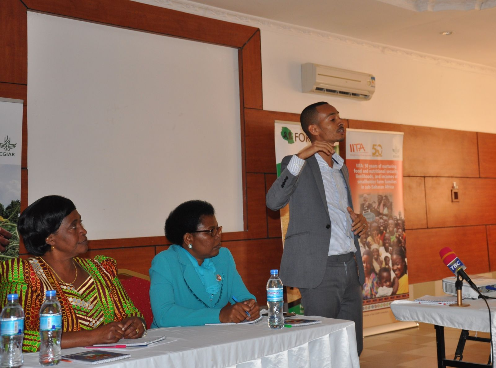 Mr. Fazal Issa from IITA talks presents on climate change to Tanzanian MPs